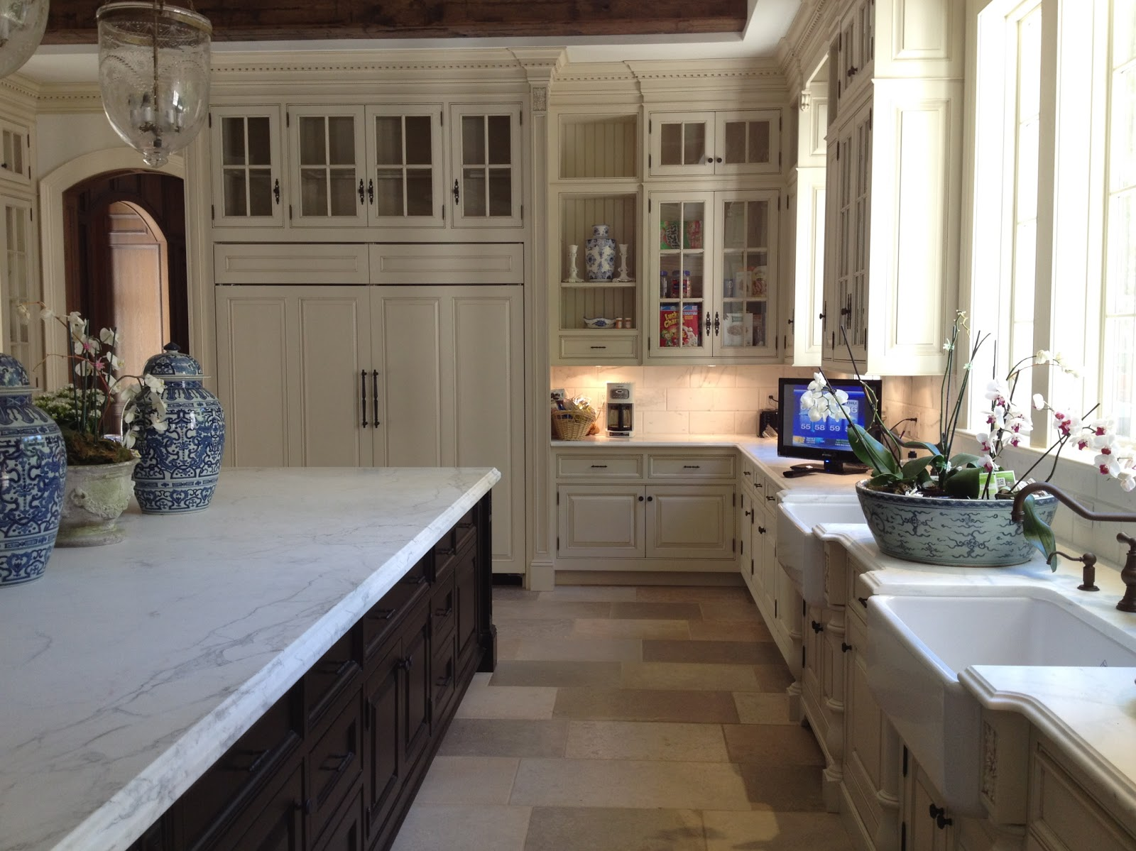 White Marble Kitchen Floor 25 Marbleous Reasons Why I Love White Marble Enchanted