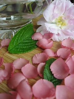 handmade petals, silk rose petals, hand painted silk rose petals, handmade flowers, silk flowers