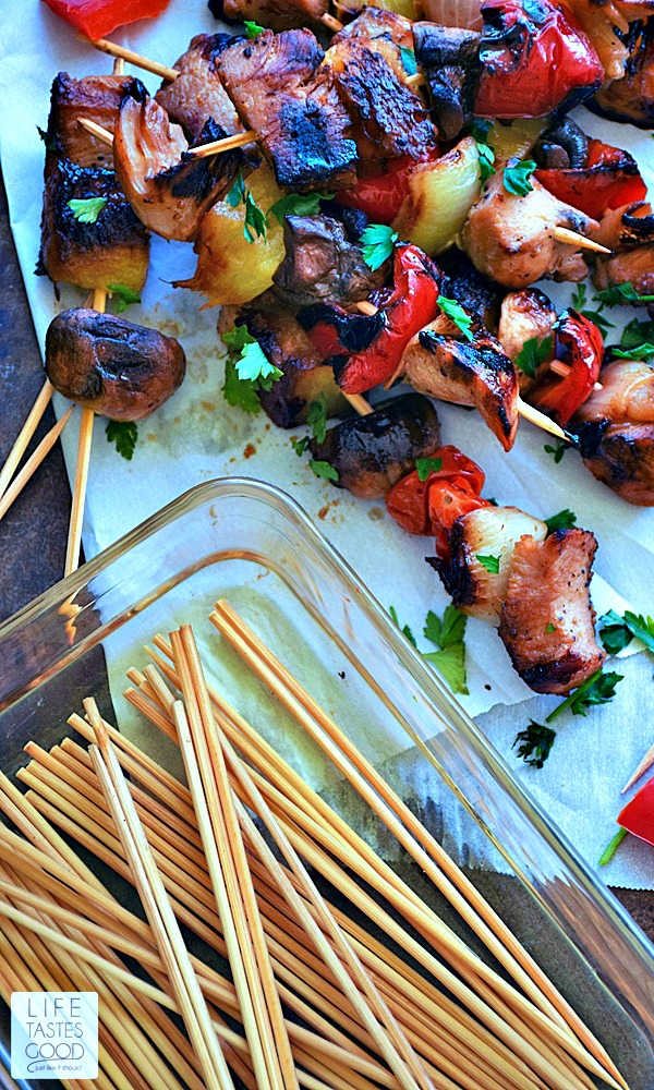 Grilled Honey Chicken Kabobs recipe is a sweet and smoky mix of chicken and fresh vegetables marinated in a simple, yet flavorful, soy sauce and honey mixture all together on a handy stick! Perfect for a picnic! #SundaySupper