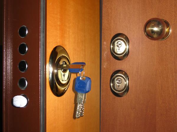 Sostituzione serrature venezia pronto intervento fabbro h - Effepi porte blindate ...