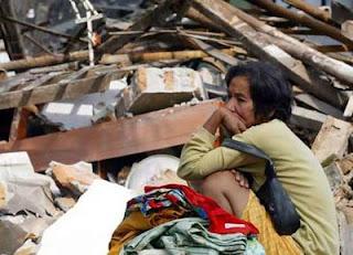 share beberapa fhoto bencana alam yang ada di indonesia berikut gambar