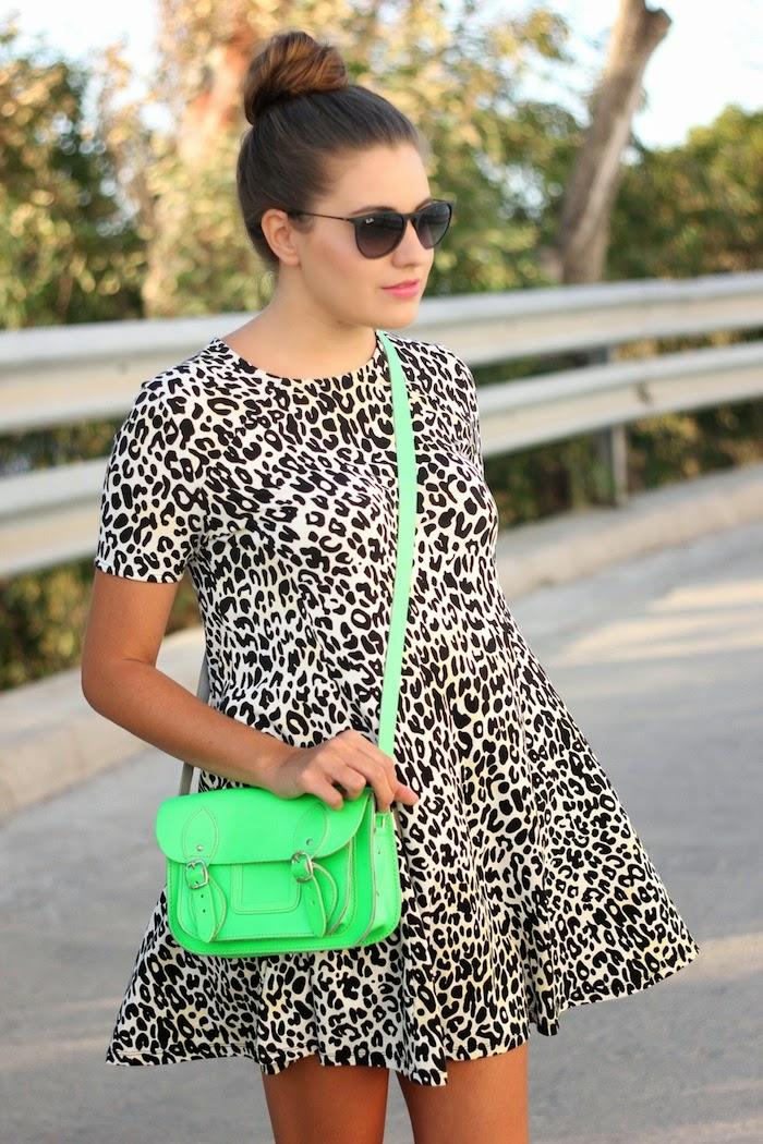 look_stellarittwagen_stella_rittwagen_satchel_bag_mini_verde_neon_fluor_florescente_vestido_leopardo_outfit_zara_rebajas_angicupcakes01