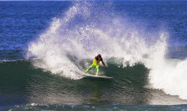 foto asp kirstin rip curl pro bells beach julian wilson 02