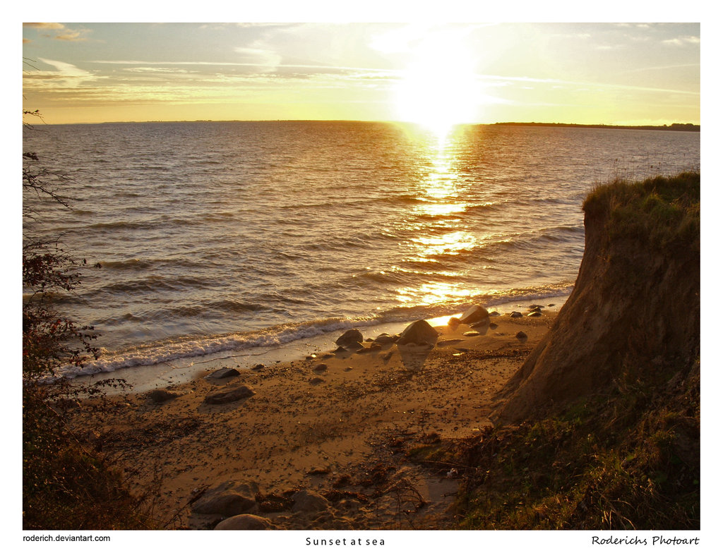 http://4.bp.blogspot.com/-JHJBOt1rkuM/UC5QwNcZx5I/AAAAAAAAE9k/hbzfaN0JiIM/s1600/Nature+Sunset+at+the+Baltic+Sea.jpg