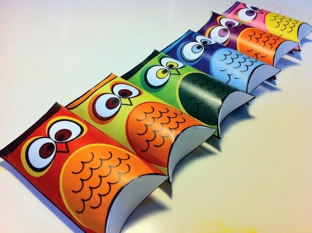 Owls Free Printable Pillow Boxes.