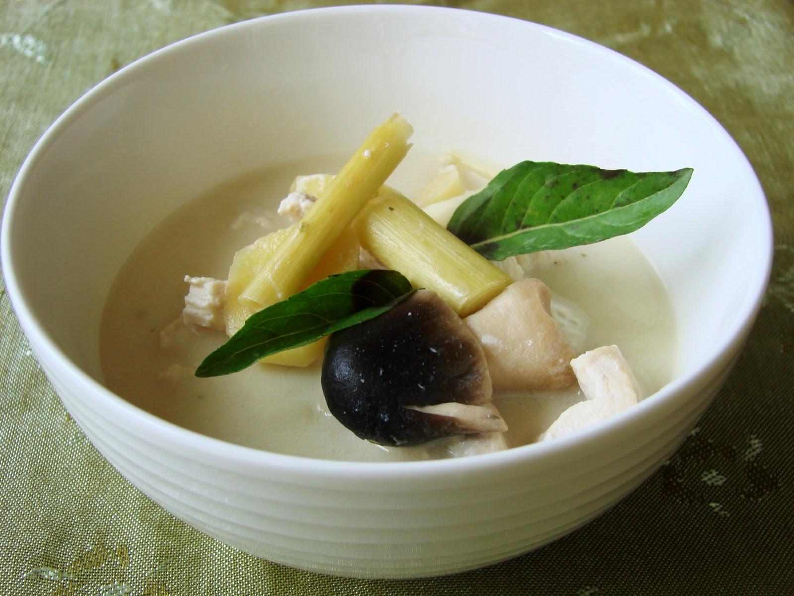 Halal Mama: Thai Chicken Soup with Coconut Milk (Tom Kha Gai)