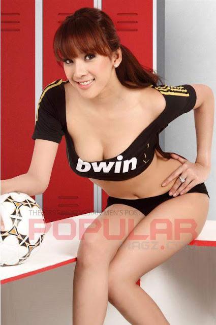 Yulia Yellow Hot Indonesian Models