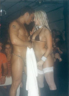 Jesica Cirio muy hot con un stripper
