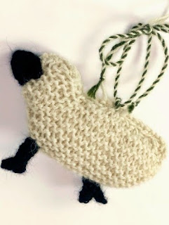 http://www.berroco.com/sites/default/files/downloads/patterns/Berroco_FreePattern_Lambie.pdf