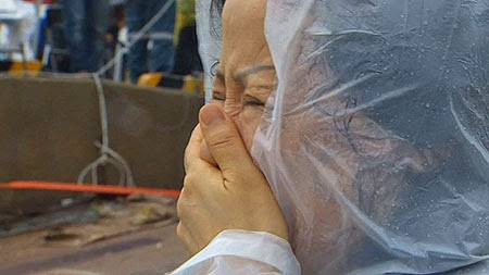 Hiệu phó tự tử sau thảm họa tàu chìm ở Hàn Quốc