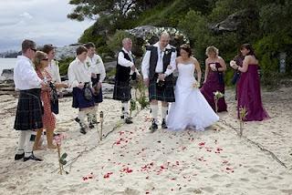 5 Adat Pernikahan Paling Aneh Di Dunia [ www.BlogApaAja.com ]