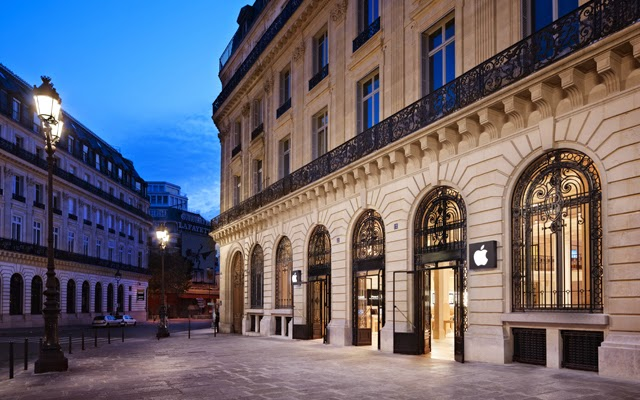 Paris's Apple Store