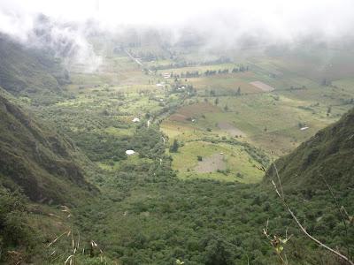 Turismo en Ecuador Volcán Pululahua Reserva Geobotánica