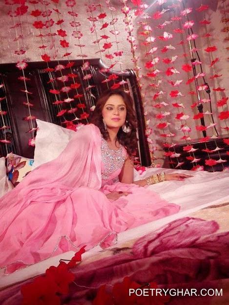 Hd wall paper beautyful girls wallpapersindian pakistanigirls hd wallpaper beautiful women in room voltagebd Images