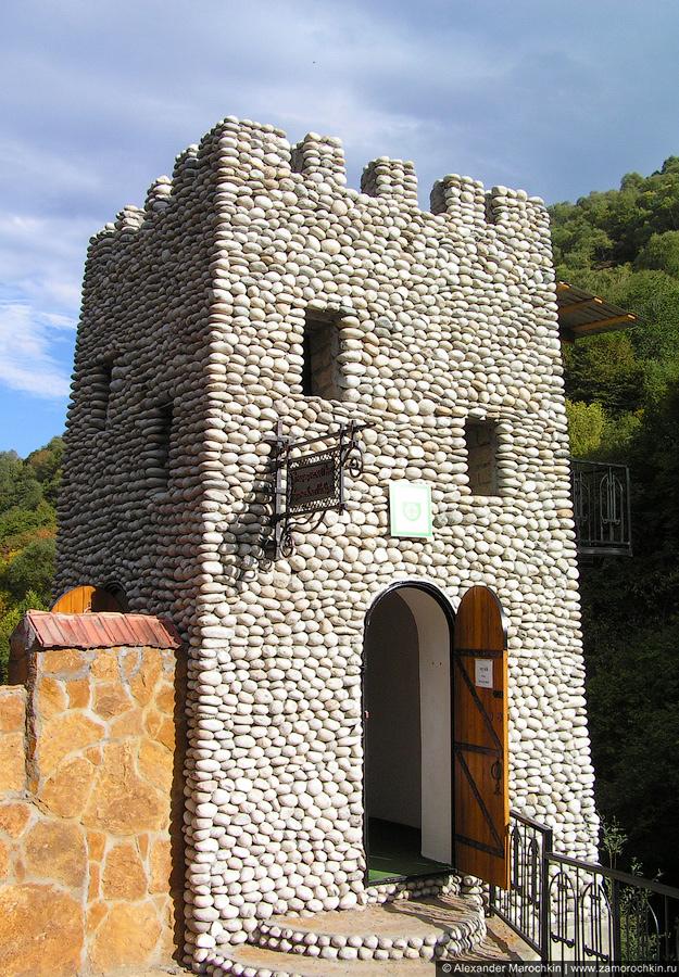 Краеведческий музей Карачаевское подворье на Медовых водопадах