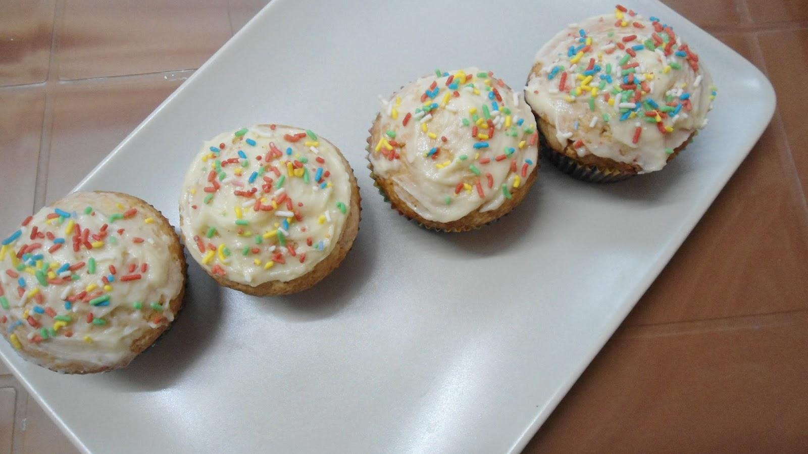 vanilla cupcake/muffins