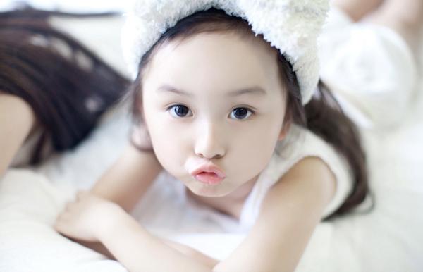 25 mẹo dân gian nuôi con gái xinh như công chúa từ nhỏ