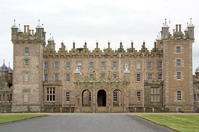 Castillo de Floors, Floors Castle en Kelso en los Bordes escoceses – Parte trasera Fachada Norte