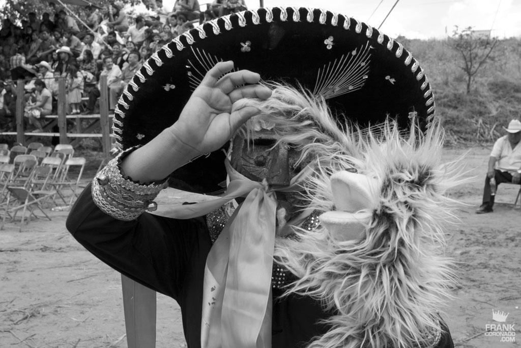 Retrato de viejote en fiesta tradicional de San Pedro Ixtlahuaca Oaxaca