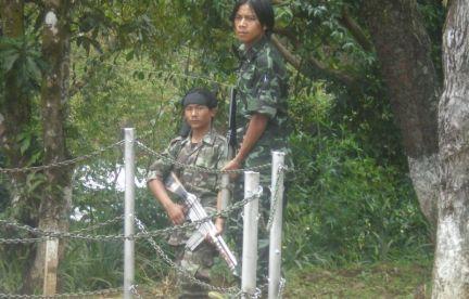 http://4.bp.blogspot.com/-JIzTuBbBZi4/UCr5sYMOaFI/AAAAAAAAXOw/wYRLc4MCsbA/s1600/Kuki-militants+in+Manipur+UPF.jpg