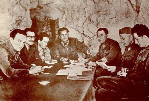 Η πρώτη προδοτική συμφωνία του ΕΑΜ/ΕΛΑΣ για το μακεδονικό