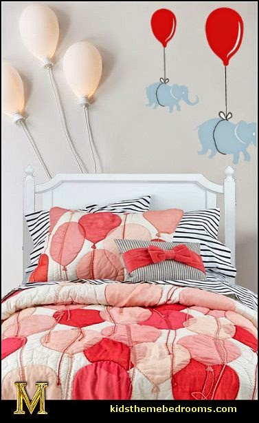 Decorating theme bedrooms maries manor balloons for Bed decoration with balloons