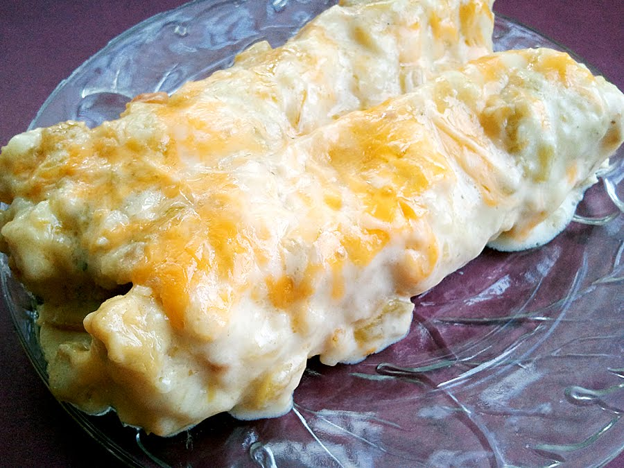 Angel's Kitchen: Heavenly Sour Cream Chicken Enchiladas