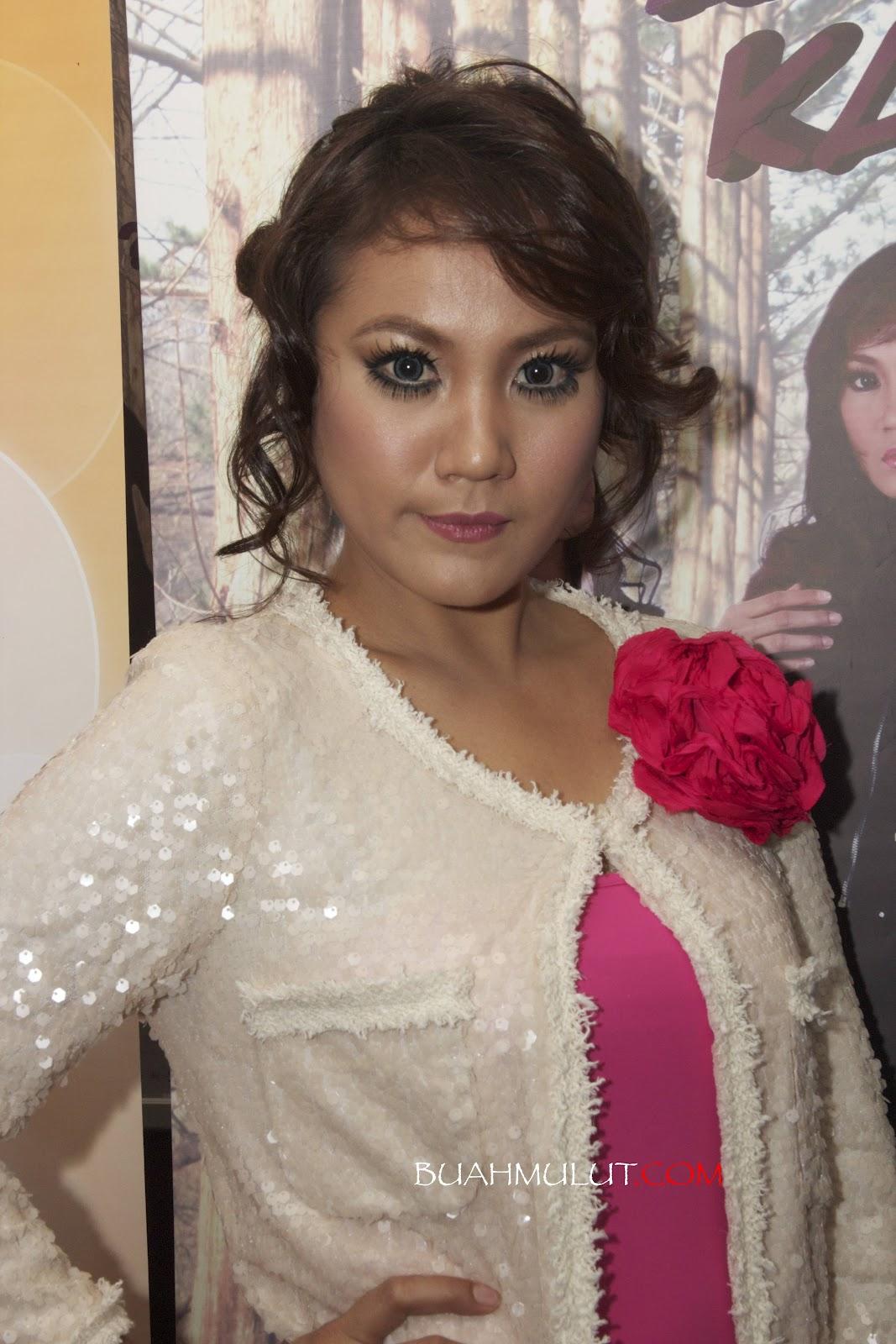 Yana Samsudin & Shaheizy Sam - Aku Ada Kau Ada