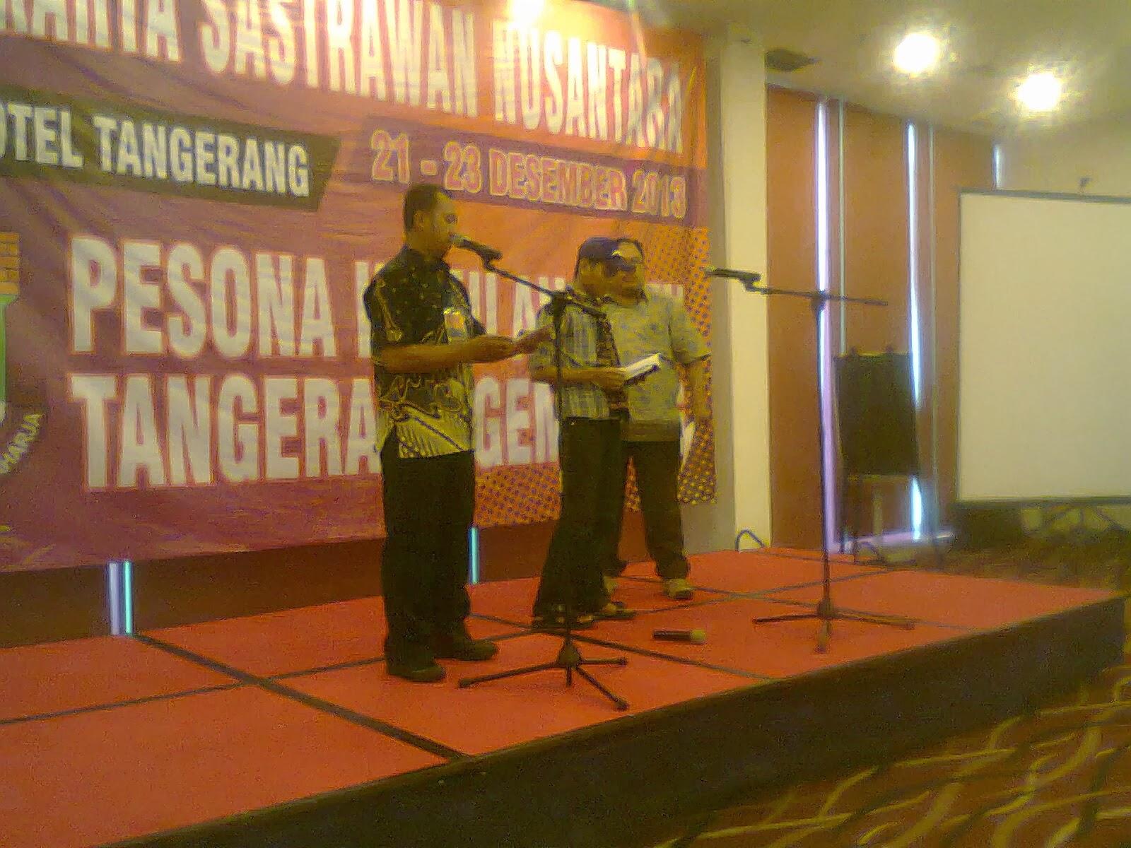 Baca Puisi dalam Temu Sastrawan di Tangerang