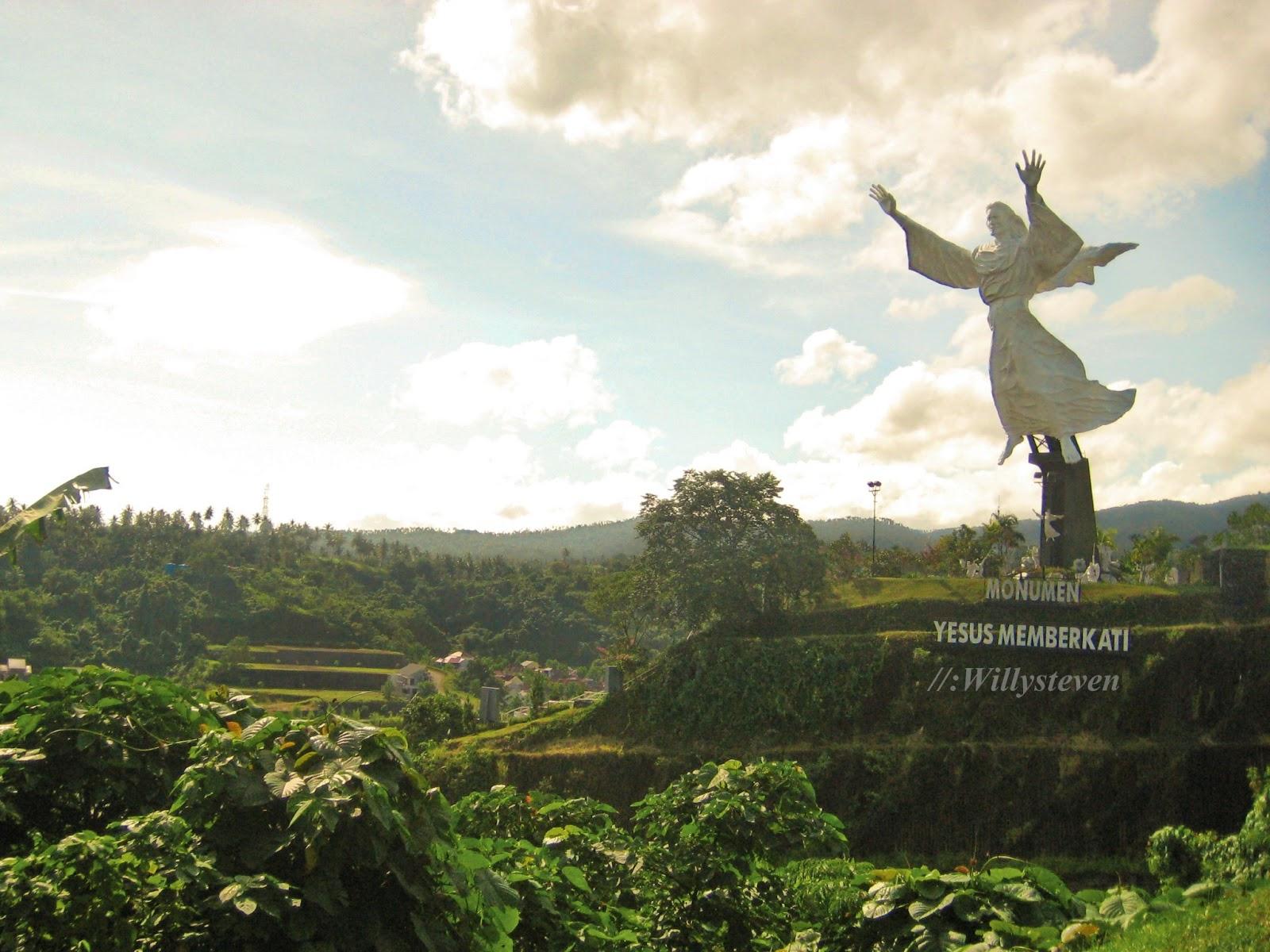 Travellermeds Bukit Doa Tomohon Wisata Religi Di Kota Manado