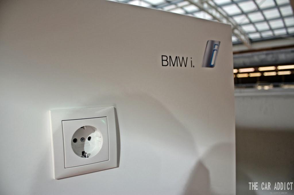 BMW i Charging Outlet