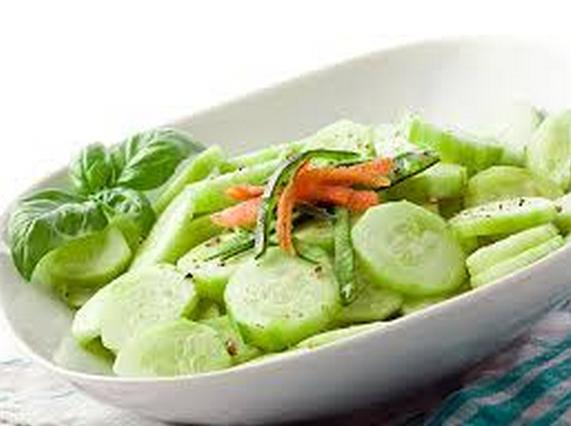 खीरा एक ठंडा व् फायदेमंद फल है
