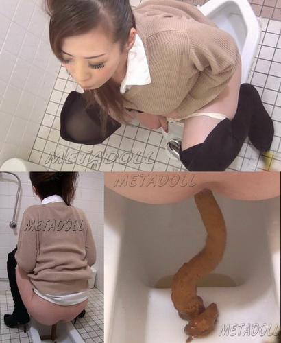 EE-051] Shitting girls in public toilet. Four angle view camera shooting pooping girls