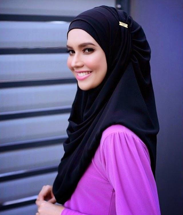 Foto Faezah Elai Berhijab Menawan Hati!