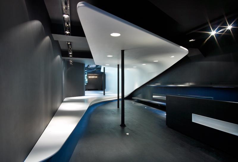 le 704 art design noe duchaufour lawrance. Black Bedroom Furniture Sets. Home Design Ideas