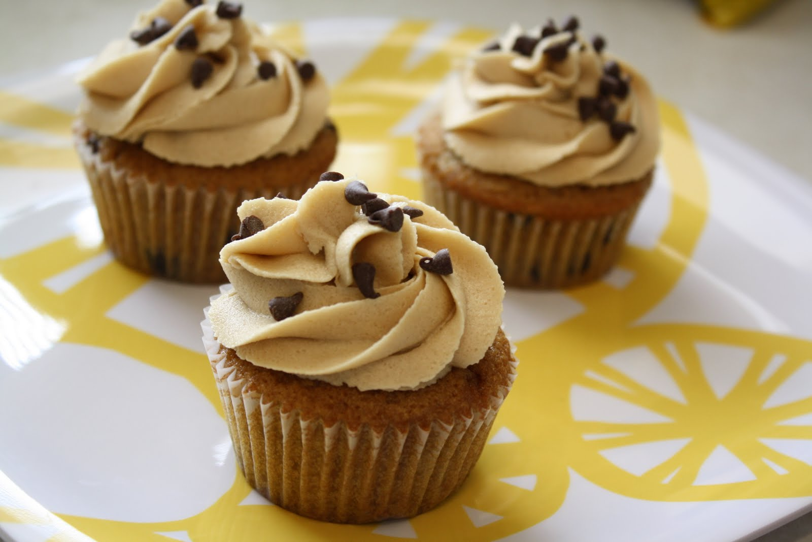 Cupcakes & Combat Boots: Chocolate Chip Cookie Cupcakes