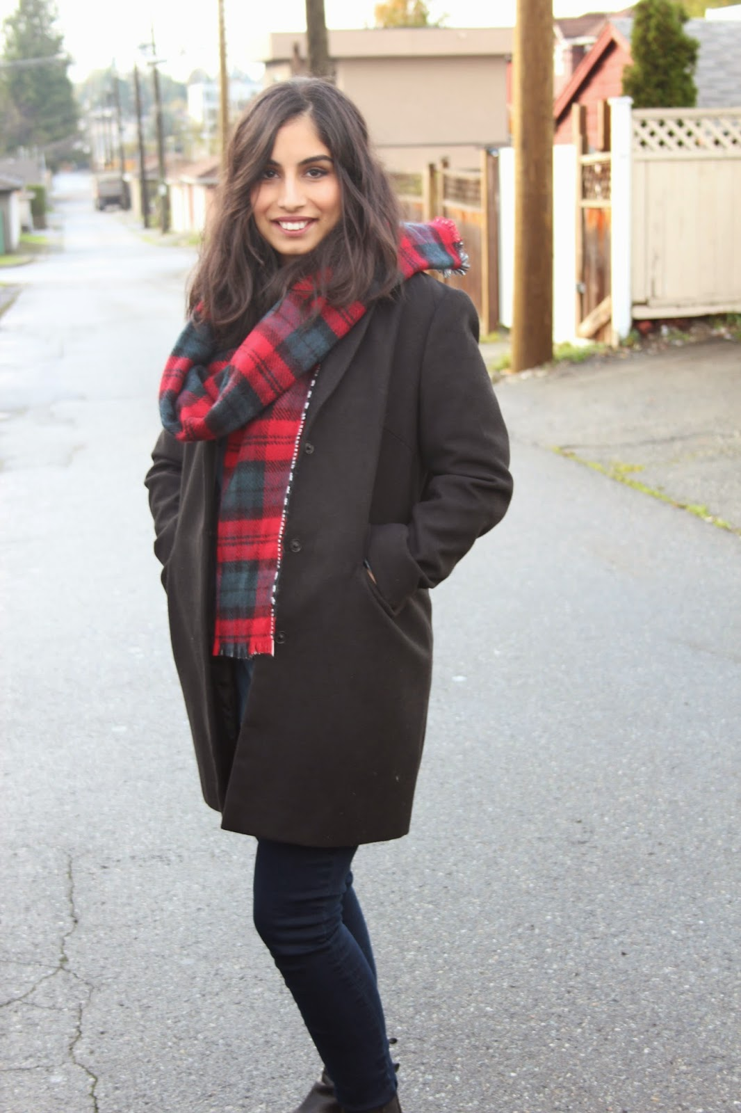 reversible plaid scarf and boyfriend coat | Footnotes and Finds