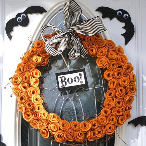 Its Written on the Wall Halloween Wreaths, Ghosts, Trees  ~ 174512_Halloween Door Wreath Ideas