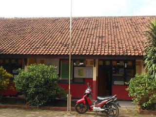 http://coretanyusuf.blogspot.com/2013/07/sdn-babakan-2-tangsel.html