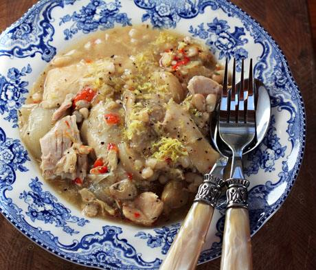 Lemon Garlic Chicken and White Bean Stew Slow Cooker Recipe