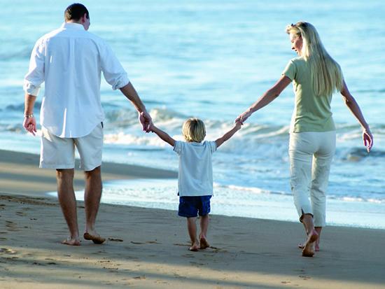 honrar seu pai e mãe é demonstrado através de palavras e ações