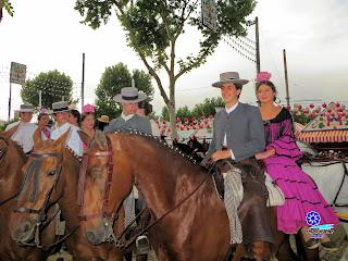 Feria de Sevilla 2014 Gente joven, tradición asegurada