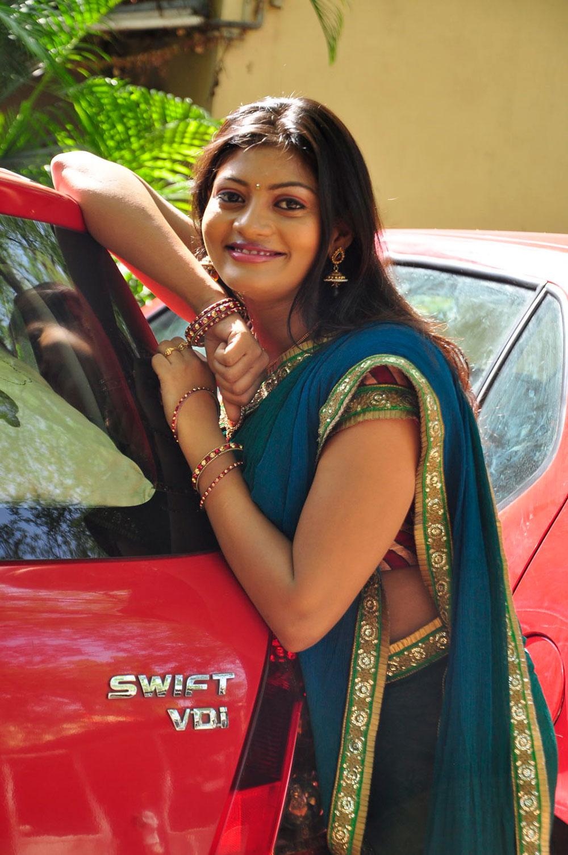 Charming hot sexy ethnic sowmya in saree at sarikothagundi lokam movie opening
