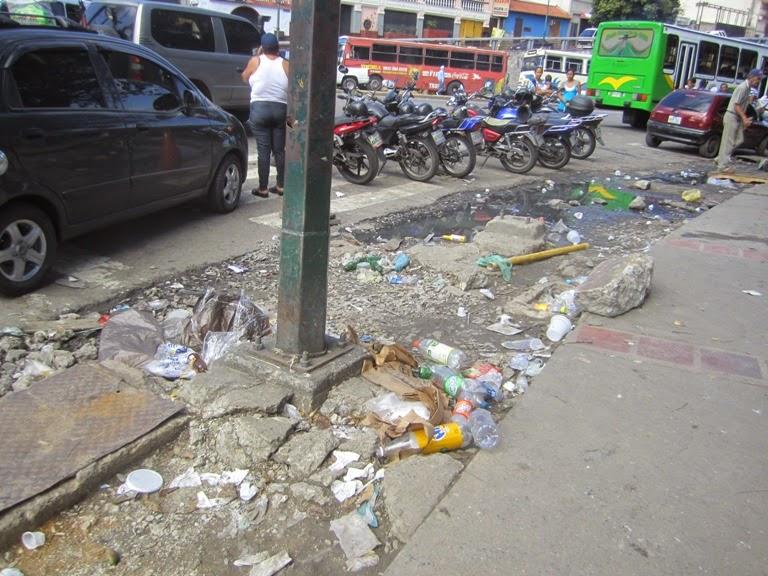 Luego de 16 años de revolución Caracas y la Guaria lucen muy mal  IMG_9479