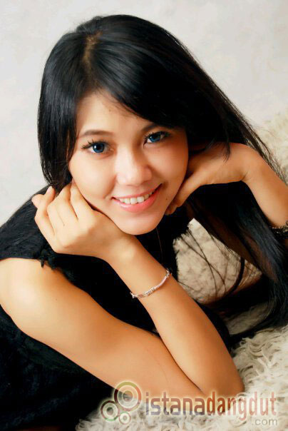 foto via vallen sexy hot terbaru
