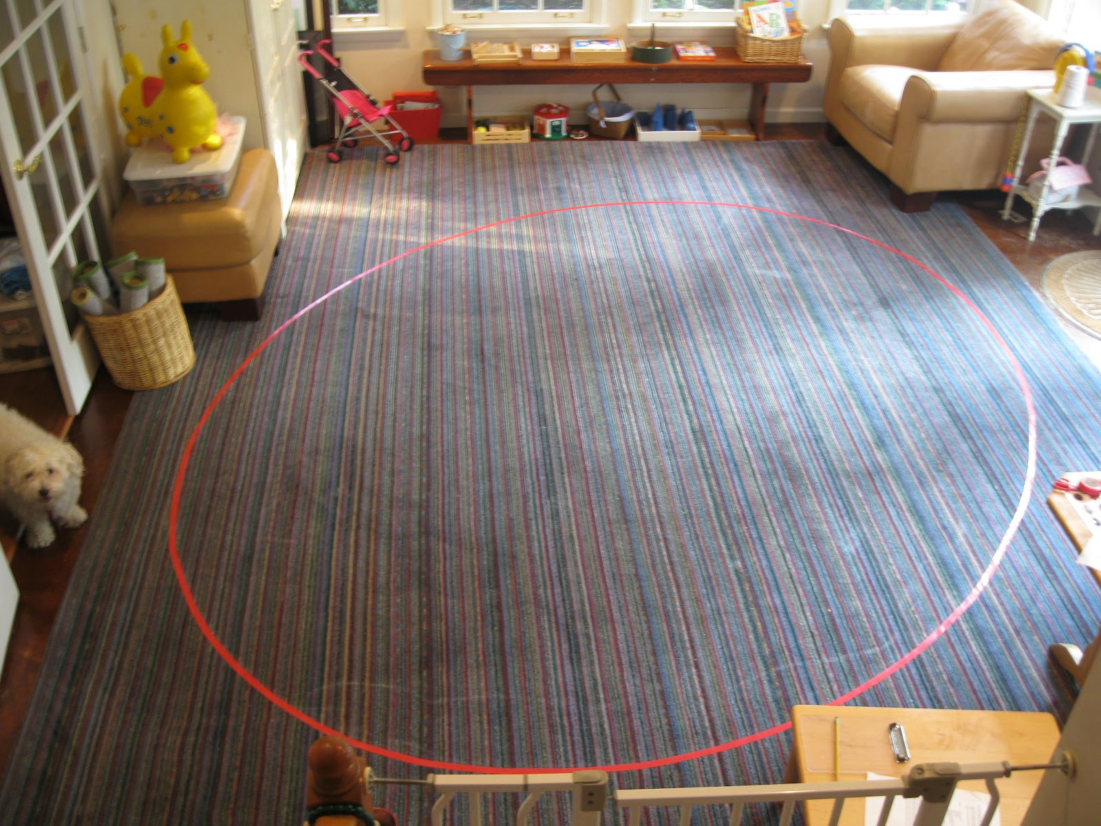 Montessori messy how to make an ellipse on the floor for Floor to the floor