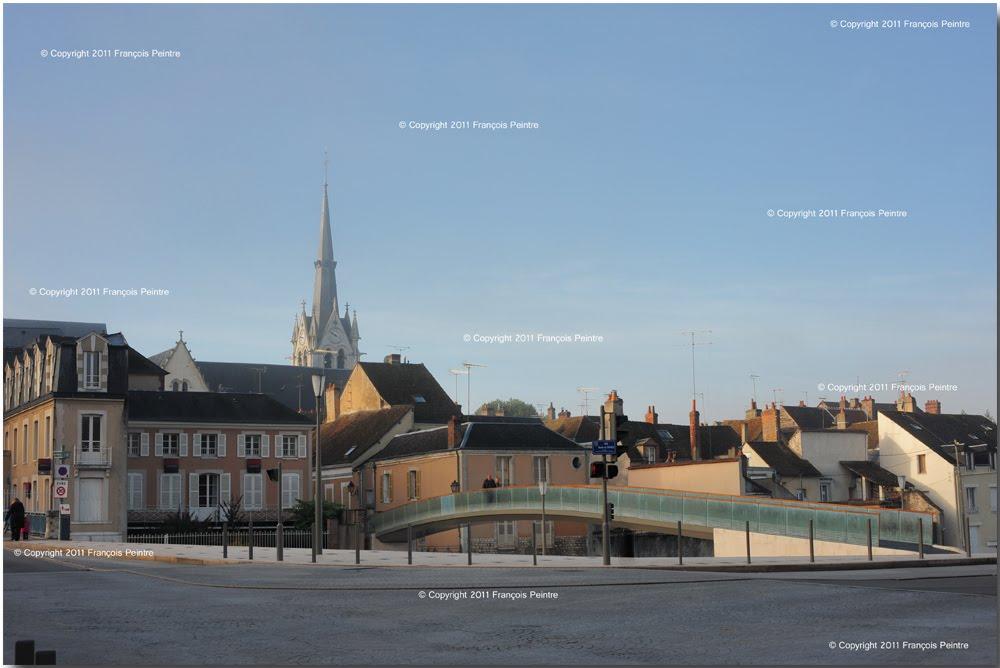 Montargis la passerelle Saint Nicolas