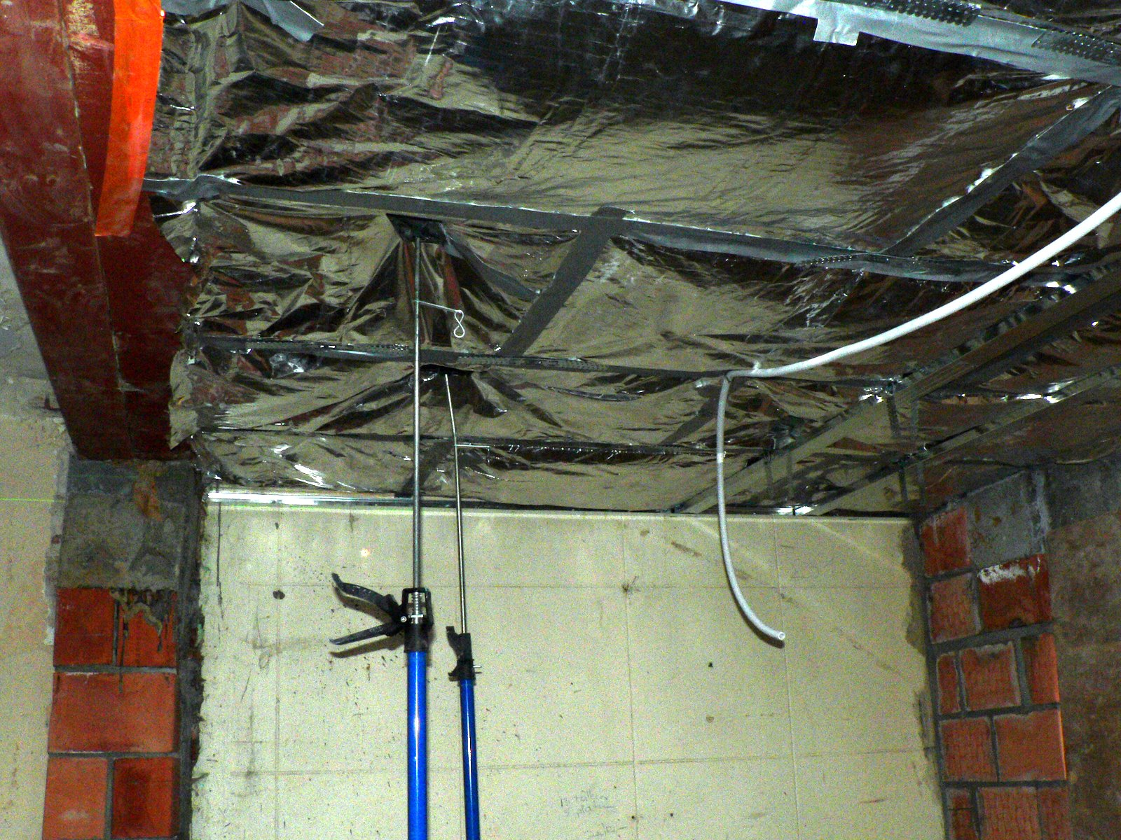 Keuken Groene Gyproc : Ons Huisje: Vals plafond boven keuken