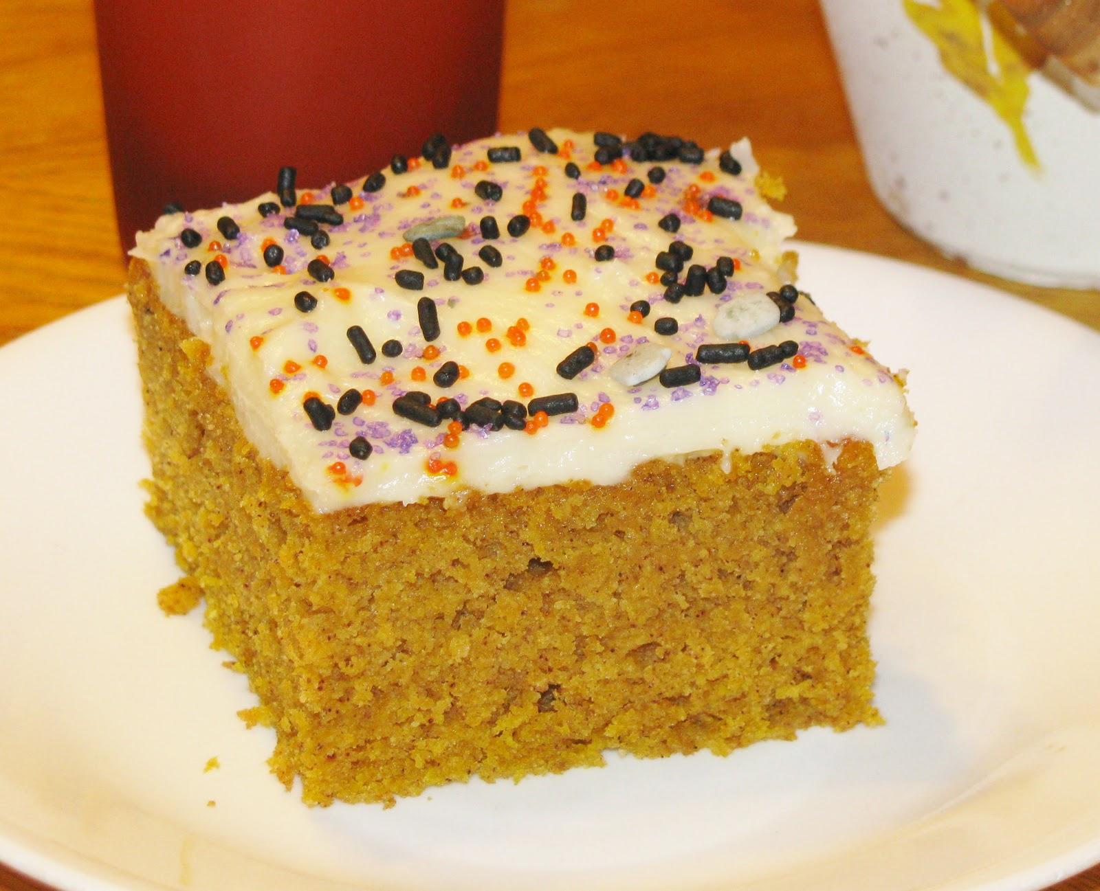 Hot Eats and Cool Reads: Paula Deen's Pumpkin Bars Recipe