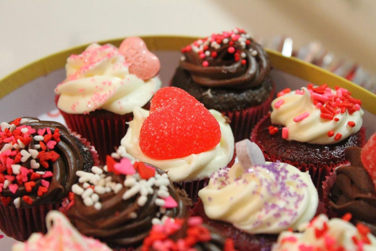 DIY Valentine's Day Cupcakes